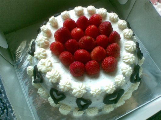 strawberry snow white penuh cinta